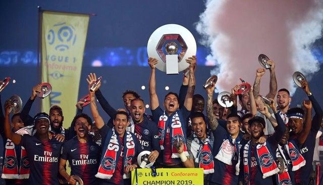 قهرمانی پاری سن ژرمن در فرانسه با وجود نیمه کاره ماندن لیگ 1
