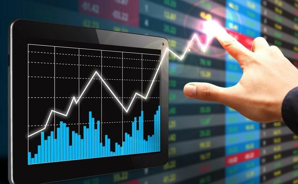 کاهش چشمگیر ارزش و حجم معاملات بورس
