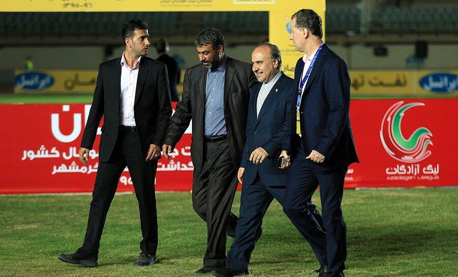 چرا وزیر ورزش هزینه کردن را برای پرسپولیس حلال کرد و برای استقلال حرام؟