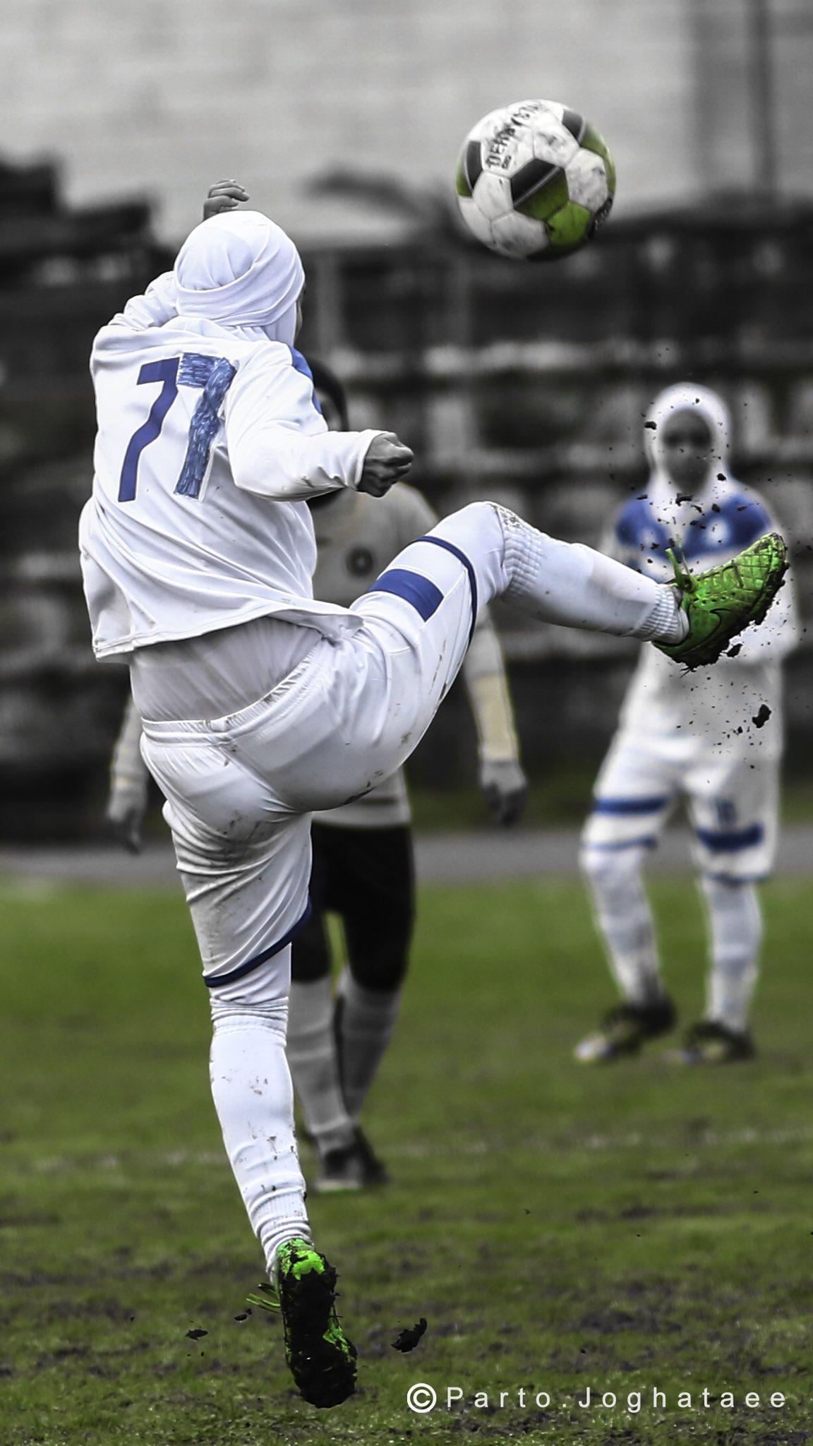 عکس خجالت آور از فوتبال زنان در ایران