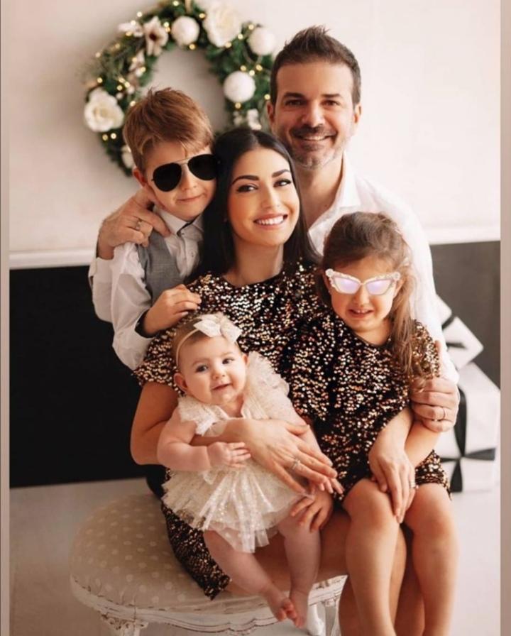 عکس خانوادگی جذاب از استراماچونی و زنش