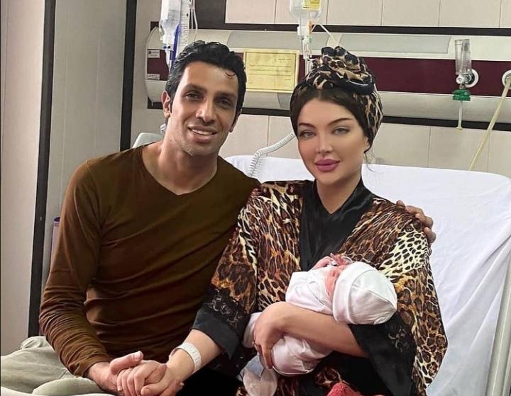 عکس سپهر حیدری با همسر و فرزند نورسیده