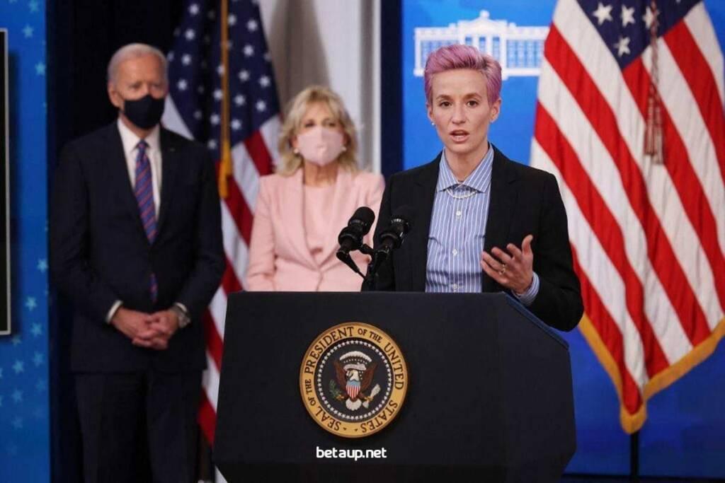 سخنرانی طوفانی ستاره فوتبال زنان آمریکا در کاخ سفید