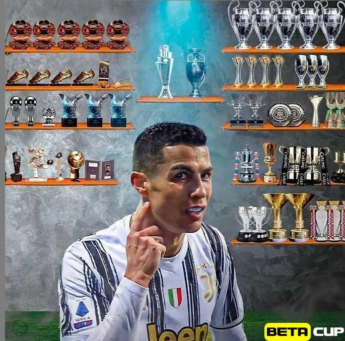عکس جذاب از کلکسیون افتخارات تیمی و فردی کریستیانو رونالدو